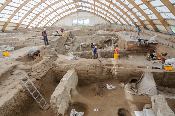 Il y a 9 000 ans, Çatalhöyük, une communauté aux problèmes urbains modernes