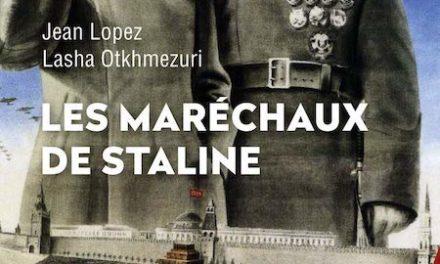Couverture du livre Les maréchaux de Staline Perrin, 530 pages, 25 euros