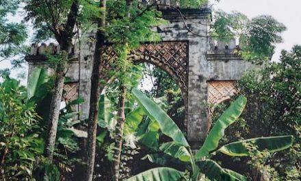 Couverture du livre Casablanca-Hanoï, une porte dérobée sur des histoires postcoloniales